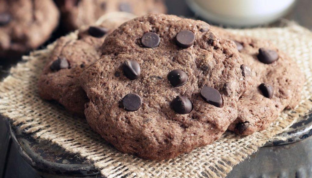 Simple-Choc-Chip-Cookies_Header